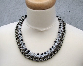 Chic, Chain  pearl necklace