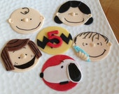 Charlie Brown and The Peanuts Gang Inspired Fondant Cupcake Cookie Toppers