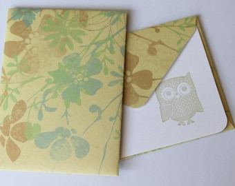 SALE Set of 2 Stationery - Tan with Pastel Blue and Camel Colored Flowers - What A Hoot