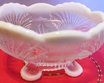 Frosted Opalescent Clear Beaded Sea Shell Serving Dish