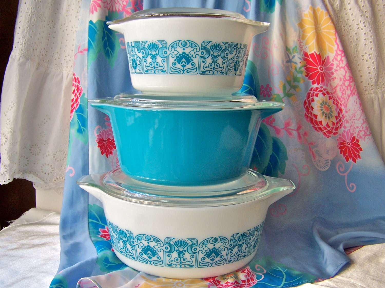 Vintage Pyrex Blue Horizon Baking Dish Set