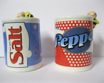 Cute as the Bees on Top Pop Top Can Style Salt and Pepper Set Red White & Blue Patriotic American Picnic Perfect