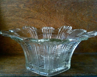 Vintage English large heavy glass fruit sweet pudding display bowl vase circa 1950's / English Shop