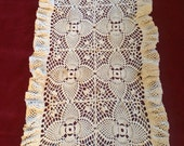 VINTAGE RUNNER crochet SHABBY cottage with flouncy ruffle