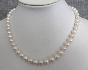 Elegant 8-9mm AA White Freshwater Pearl Necklace