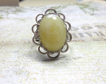 Vintage Lucite Cabochon Ring, Filigree Ring, Ivory Marbled Vintage Cabochon Ring, Adjustable Ring, Womens Jewelr