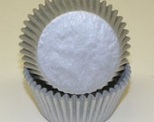 400 Silver Metallic Cupcake Liners, Silver Baking Cups Non-Foil,  Silver Shimmer Cupcake Liners - Professional Grade, Greaseproof