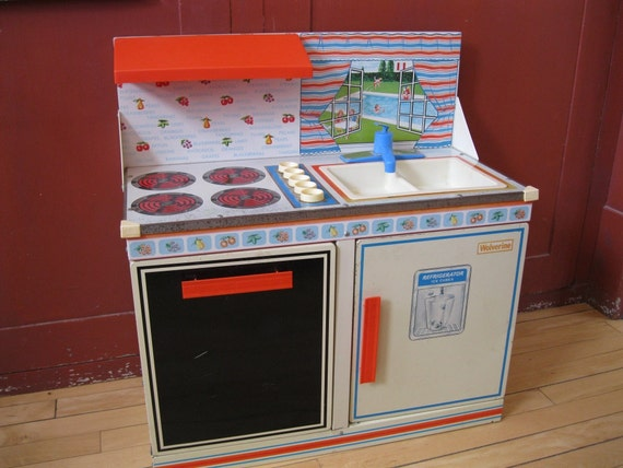 Wolverine toy kitchen set vintage for Toy kitchen set