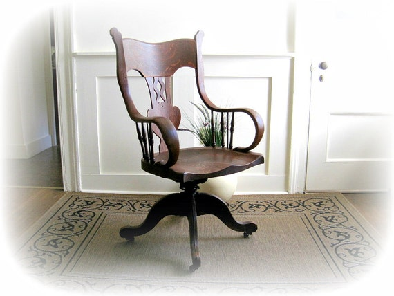 Antique Oak Executive Banker's Lawyer's Office Chair