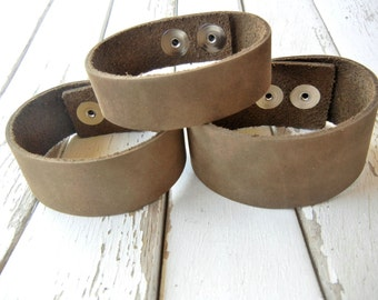 1.25 Inch Wide Genuine Smooth Leather Cuff Bracelet in OLIVE BROWN - Cuff Wristband - Cuff Blank - Hand Stamped Jewelry Supply