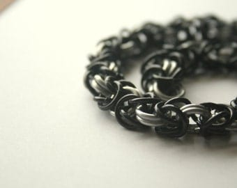 Necklace Byzantine Chainmaille 16 inches Black and Your Choice of 1 Color