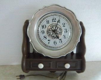 Retro Spartus Electric Wall Clock