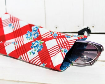 Sunglass Case 4x8 Reversible Drawstring  -  Bees Knees (red, white, blue)