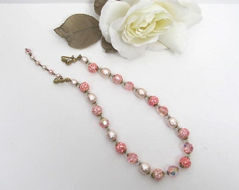 Vintage Classic Faux Pearl & Pink Crystal Single Strand Necklace