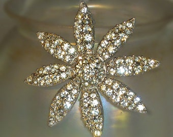 Stunning Sparkly Daisy Pave Rhinestone Silver Brooch - Vintage Costume Jewelry with Over 100 Crystals