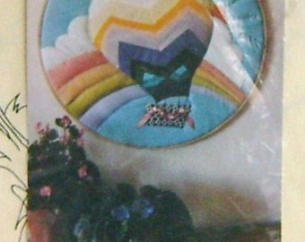 Full Size 18 inch Balloon In a Hoop Applique Design by Virginia Robertson