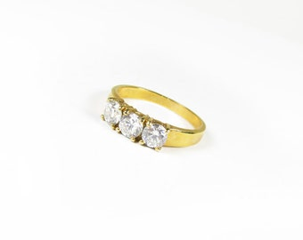 Vintage Ring with 3 Cubic Zirconias, Size 10, Gold Tone Ring with Rhinestones / Bridal Wedding - Bague en Strass.