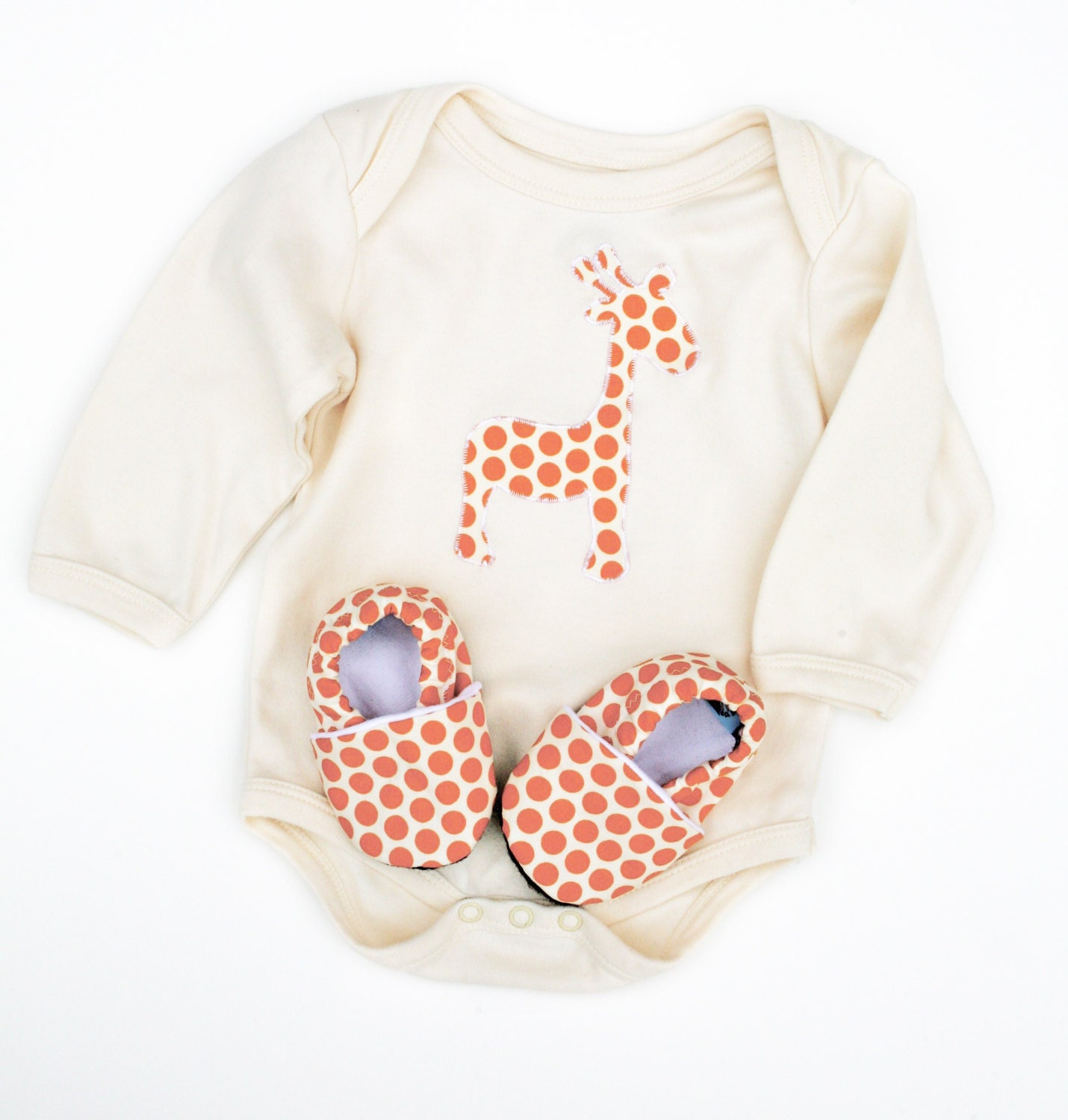Shop for Giraffe Baby Clothes & Accessories products from baby hats and blankets to baby bodysuits and t-shirts. We have the perfect gift for every newborn.