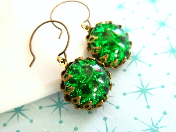 Spring Green Earrings, Kelly Green, Vintage Green, Retro Earrings, Vintage Earrings, Vintage Jewelry, Emerald Green, Bridesmaid Earrings