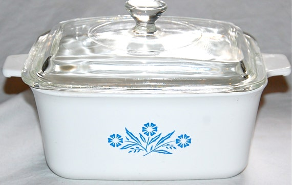 Lovely Small Rectangle Casserole Dish with Glass Lid - Cornflower Blue - Vintage Corning Ware