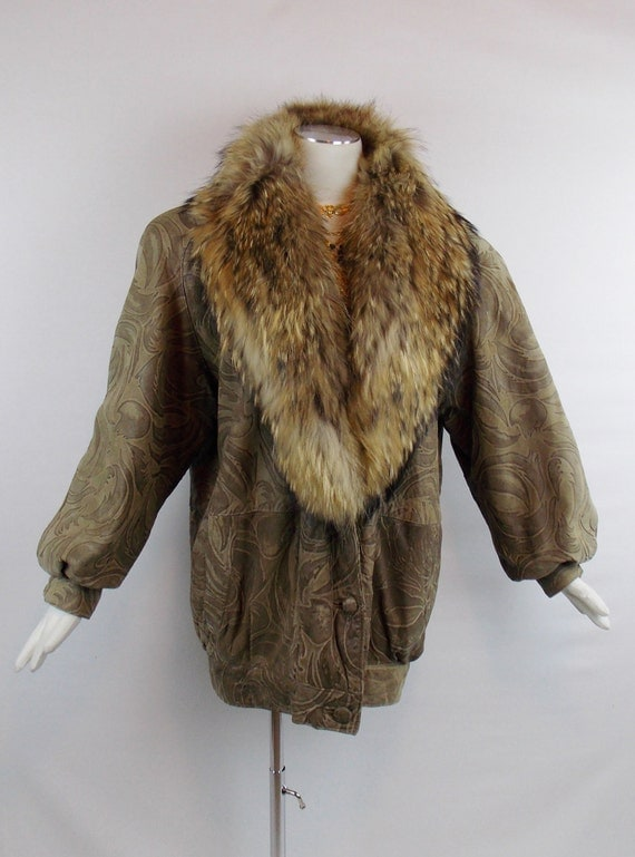 Rare Vintage FENDI EMBOSSED LEATHER Fox  Fur Collar Sheered Fur Lining