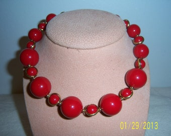 Red lucite Round beads necklace - Trifari Red And Gold Tone Beads Necklace
