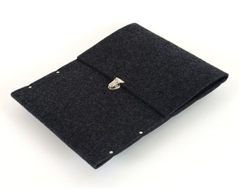 MacBook 13 Air sleeve cover case black synthetic felt briefcase handmade by SleeWay