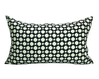 Betwixt lumbar pillow cover in Black/White