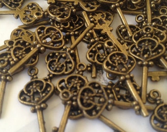 Bronze key - 16 pieces