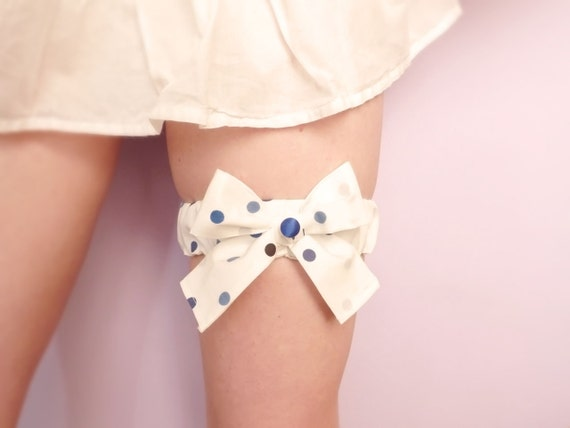 Cotton bridal garter Blue & white polka dot bow OOAK by Jye, Hand-made in France