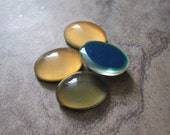 4  Cabochon,acrylic, multicolored, 14x10mm color-changing non-calibrated oval. JD237