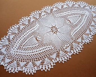 Oval crochet doily / tablecloth / lace runner / white