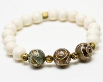 Agate and Wood Wrist Mala Beads, Mala Bracelet, Yoga Bracelet, Wood Bracelet, Yoga Jewelry