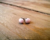 ITTY BITTY STUDS - Pale Pink Shimmer