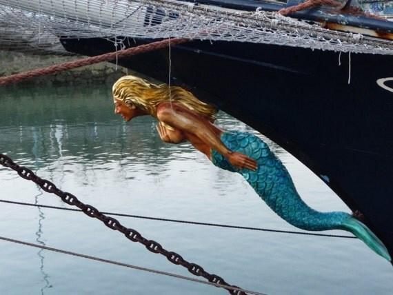 Statue - Mermaid  Bow on a Boat  - Indoor/Outdoor  Decoration - Figurehead