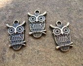 16 Antiqued Bronze Owl Charms 23mm by 15mm