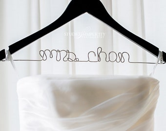 Custom Wire Mrs Hanger, Bridal Surname Hanger