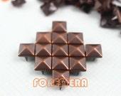 200Pcs 9mm Antique Copper Pyramid Studs (CP09)
