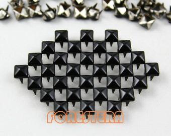 100Pcs 5mm Black Color PYRAMID Studs (CP-BL05)
