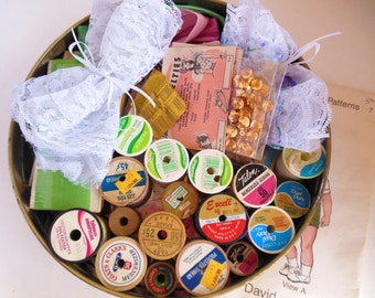 Vintage Sewing Tin Pastels Filled with Notions, Buttons, Wood Thread Spools 50's  Almost 2 pounds (item 9)