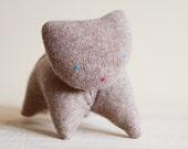 upcycled wool kitten - chaton de laine récupéré