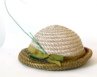 Vintage 60s Hat .  White and Sage Green Straw Hat.