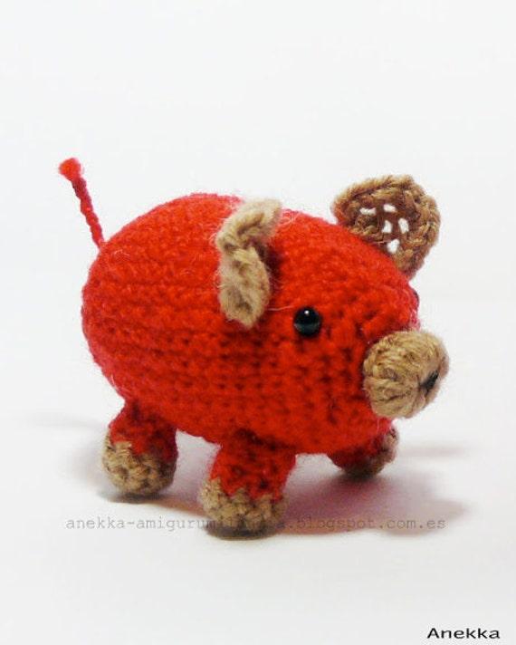 Red pig amigurumi