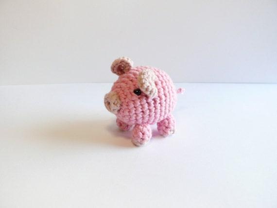 Pink pig amigurumi
