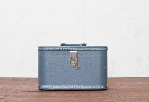 Vintage Suitcase - Blue - Vintage Makeup Case Train Case Suit Case Make Up Luggage Travel