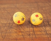 Fabric Covered Button Earring - Yellow Springtime Daisies