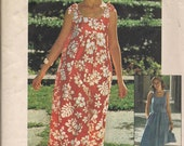 1976 Sewing Pattern Simplicity 7520 misses jiffy dress and handbag  size 8-10 bust 31.5-32.5