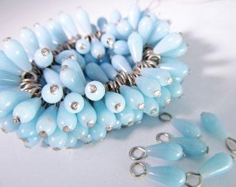 20 Vintage Light Blue Plastic Teardrop Bead Charms Drops Pd335
