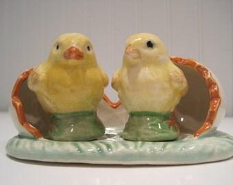 vintage chicks in eggs japan salt and pepper shakers