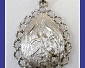 Vintage 70s Silver Tone Necklace Pendant Flower Motif Big Necklace Pendant
